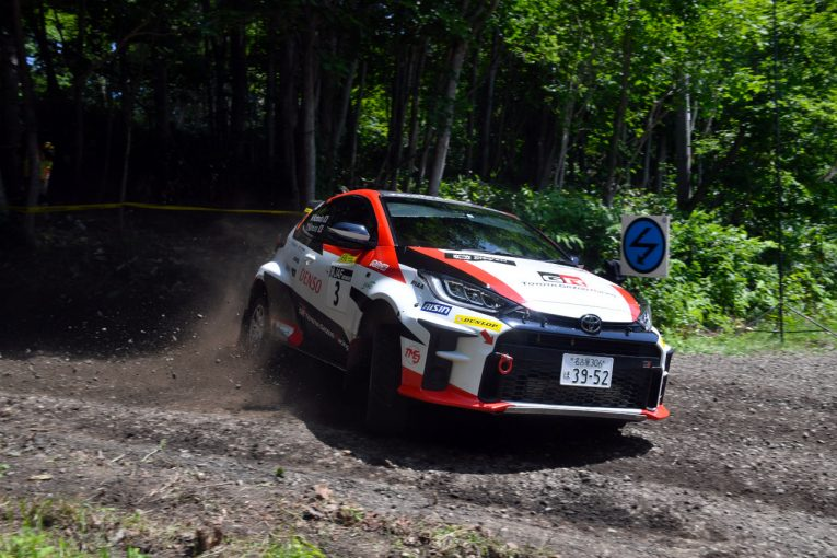 ラリー/WRC   GRヤリス駆る勝田範彦、スバルの新井敏弘を0.7秒差で破り移籍後初優勝/全日本ラリー第7戦