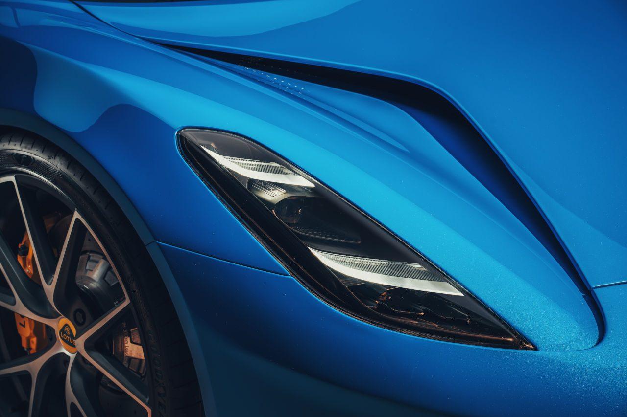 英国ブランド最後のミッドシップエンジン車『ロータス・エミーラ』AMG供給の2.0ターボも用意