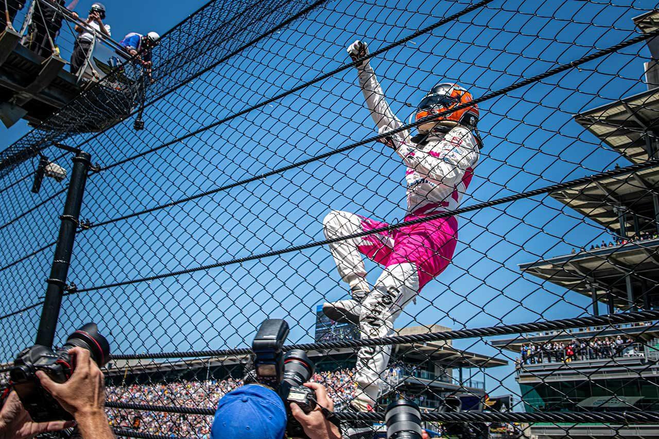 レース前から感じていたチャンス。4度目のインディ500制覇は「最高の瞬間」/エリオ・カストロネベスインタビュー