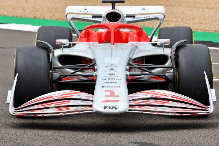 F1 | 2022年導入の次世代F1マシンが初披露。バトル活性化が期待される革新的デザイン