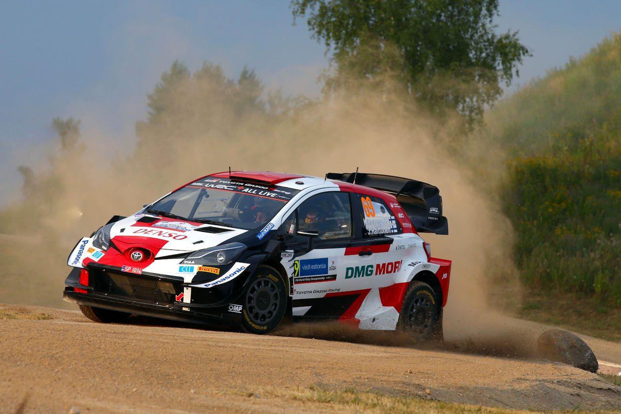 ヤリスWRC駆るロバンペラが初日首位。勝田は15番手も首位と1.9秒差/WRCエストニア