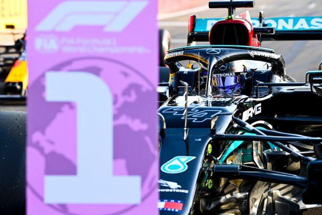 2021年F1第10戦イギリスGP 予選最速のルイス・ハミルトン(メルセデス)