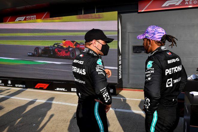 2021年F1第10戦イギリスGP バルテリ・ボッタスとルイス・ハミルトン(メルセデス)