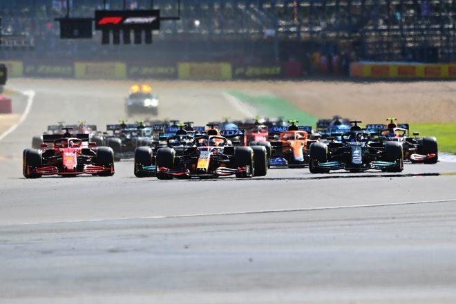 2021年F1第10戦イギリスGP スプリント予選スタート時のマックス・フェルスタッペン(レッドブル・ホンダ)