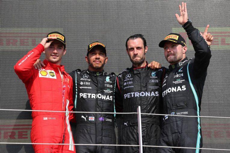 F1 | フェルスタッペンが1周目にクラッシュでリタイア。ハミルトンは10秒ペナルティも母国で通算99勝目【決勝レポート/F1第10戦】