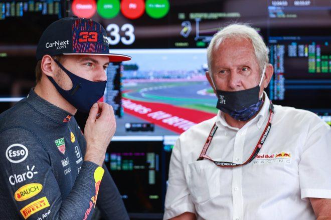 2021年F1第10戦イギリスGP マックス・フェルスタッペン(レッドブル・ホンダ)とヘルムート・マルコ(モータースポーツコンサルタント)