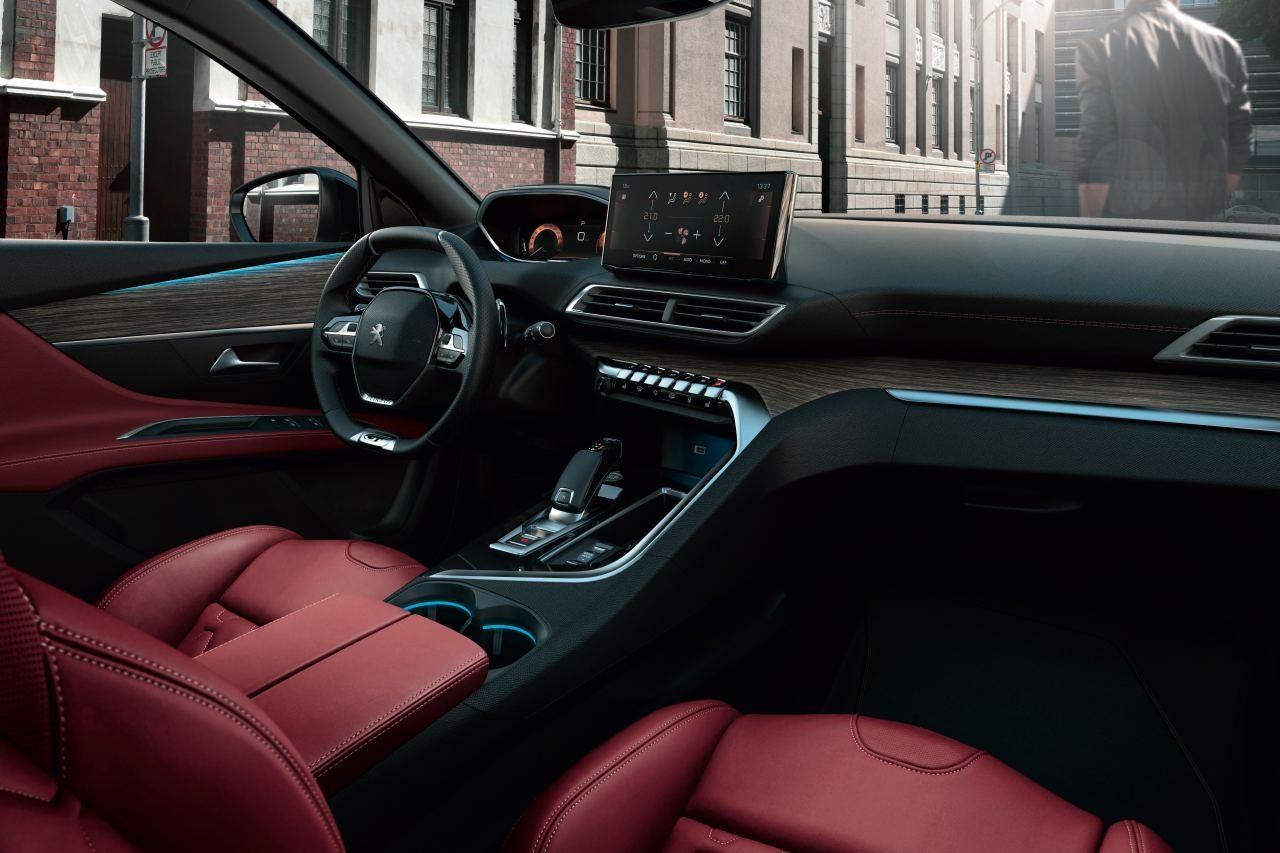 """プジョーの主力SUV『3008』と『5008』に華やかな赤内装の特別仕様車""""Red Nappa""""登場"""