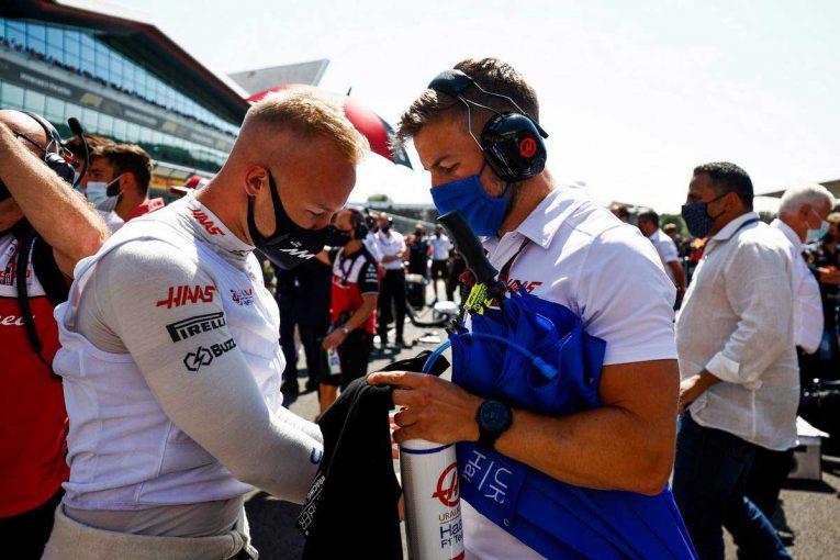 F1 | グランプリのうわさ話:2022年の契約を明言したハースとマゼピンに不協和音