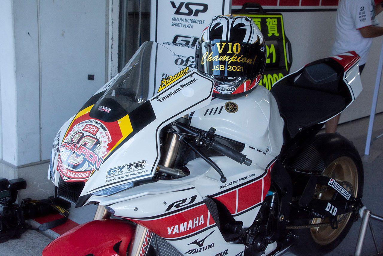 中須賀克行(YAMAHA FACTORY RACING TEAM)のヤマハYZF-R1/2021全日本ロード第5戦MFJ-GP鈴鹿