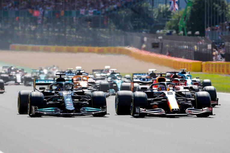 F1 | 【中野信治のF1分析/第10戦】ハミルトン vs フェルスタッペン。新フォーマットを背景にした意地と運命の1周目