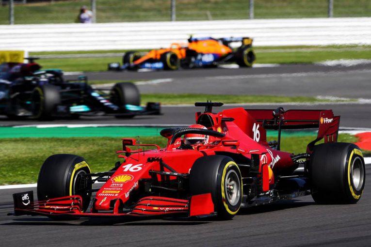 F1 | 【F1第10戦無線レビュー(2)】首位走行中のルクレールにトラブル発生「エンジンが止まった。どうなってるの?」