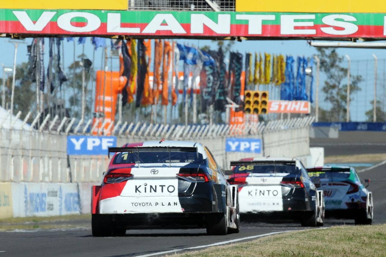 ホンダ・シビックがトヨタ2台を振り切り勝利。元王者アルドゥソが今季3勝目/STC2000第6戦