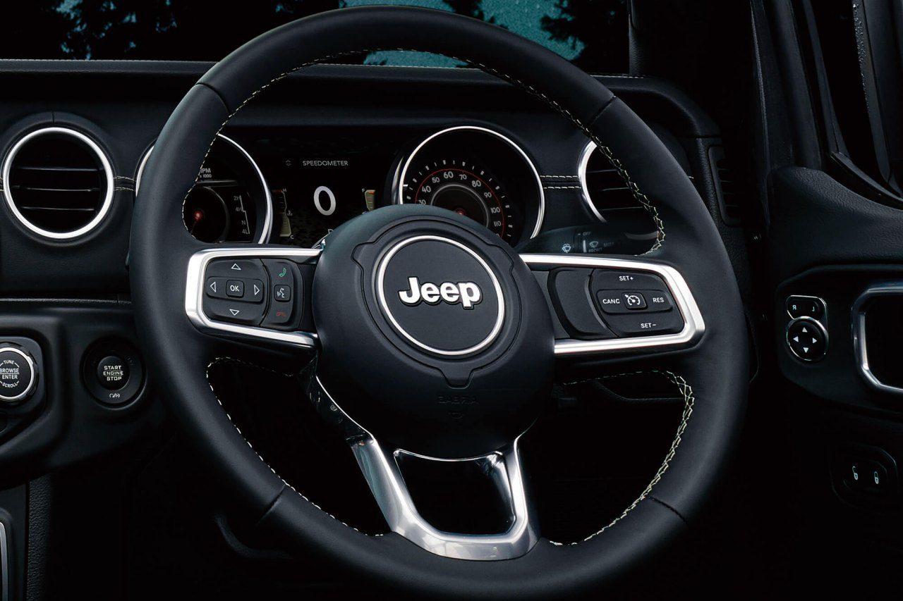 『ジープ・ラングラー』に待望の2ドア・ソフトトップと専用カラー採用の限定車が登場
