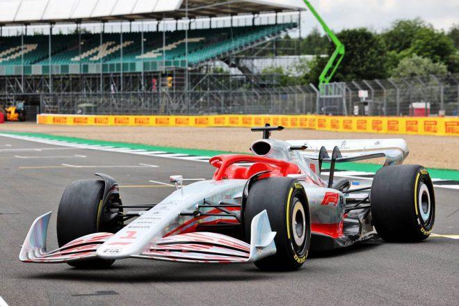 2022年型F1マシンの実寸大モデル