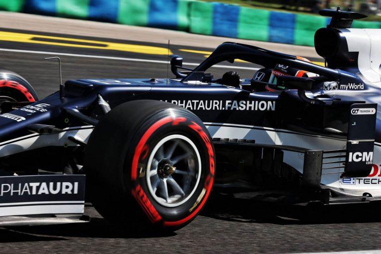 F1   【角田裕毅F1第11戦密着】僚友との間に生じた1秒の差に困惑。コースインのタイミング、路面状況も一因か