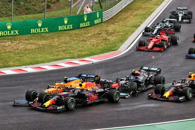 2021年F1第11戦ハンガリーGP 決勝スタート直後のマックス・フェルスタッペン(レッドブル・ホンダ)