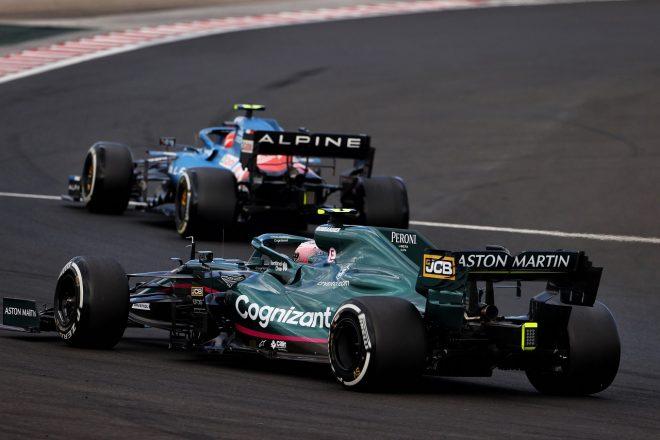 2021年F1第11戦ハンガリーGP セバスチャン・ベッテル(アストンマーティン)とエステバン・オコン(アルピーヌ)