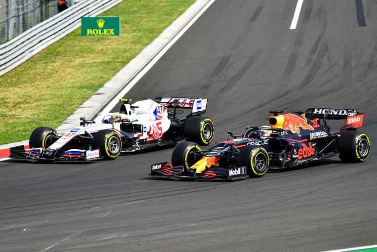 F1 | レッドブルF1代表、ダメージを負ったフェルスタッペン車より「シューマッハーの方がダウンフォースがあった」