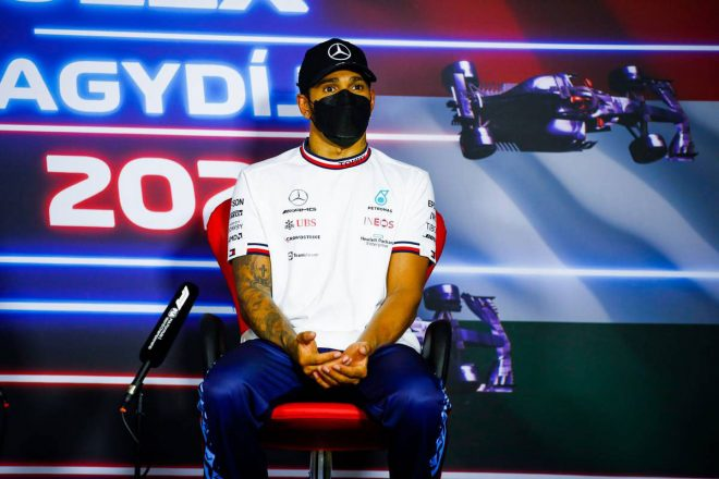 F1 | 「表彰台では視界全体が少しかすんで見えた」体調不良を訴えたハミルトン、コロナ後遺症を懸念/F1第11戦