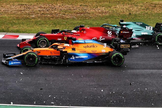 2021年F1第11戦ハンガリーGP 多重クラッシュに巻き込まれたシャルル・ルクレール(フェラーリ)