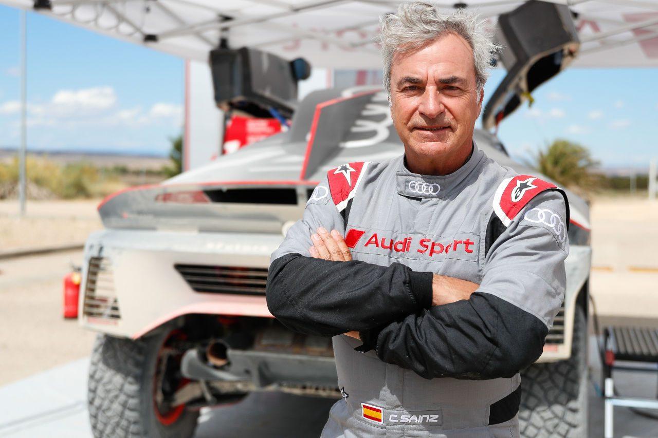 アウディのダカールプロト『RS Q e-tron』が8日間のテストを完了。サインツら3選手が参加