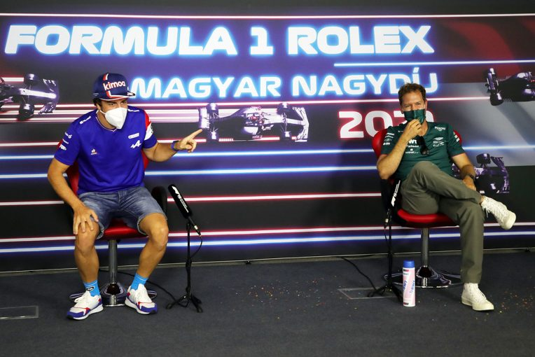 """F1   ベッテル、F1で""""不可能だと思っていた""""ことを成し遂げたアロンソへ敬意「彼と戦えるのは光栄なこと」"""