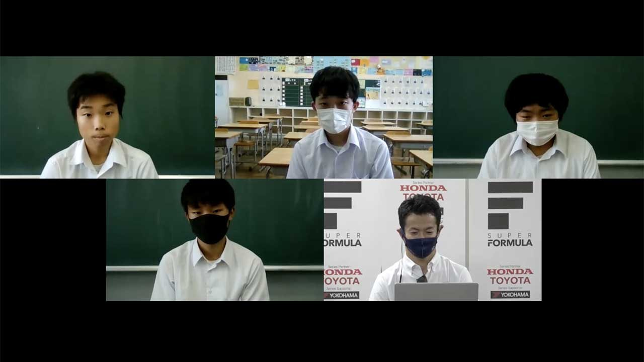 山本尚貴(TCS NAKAJIMA RACING)と埼玉県ふじみ野市立花の木中学校の3年生