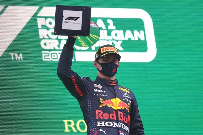 2021年F1第12戦ベルギーGP 優勝を飾ったマックス・フェルスタッペン(レッドブル・ホンダ)