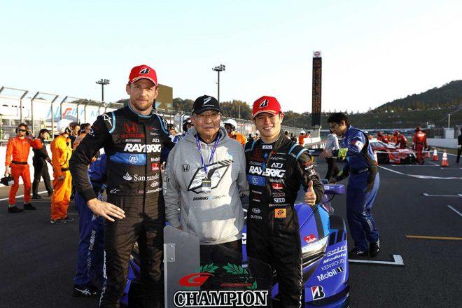 2017年にスーパーGT にスポット参戦すると、2018年にはTEAM KUNIMITSUから山本尚貴と組みホンダNSX-GTでフル参戦して戴冠。2019年も同じ体制で臨むが、ランキング8位に終わった。