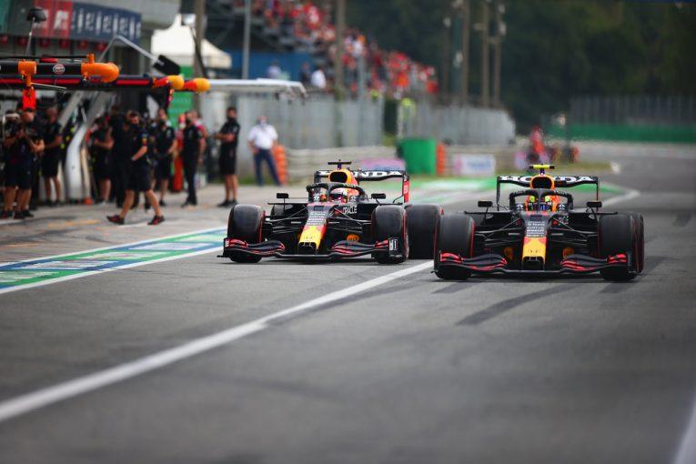F1   レッドブルF1ボス「ペレスの貢献に感謝。マクラーレンに負けずに済んだ」/F1第14戦金曜予選