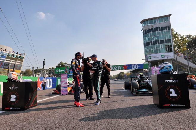 2021年F1第14戦イタリアGP スプリント予選首位のバルテリ・ボッタス(メルセデス)と2番手マックス・フェルスタッペン(レッドブル・ホンダ)