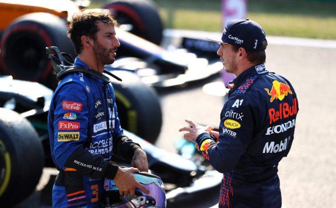 2021年F1第14戦イタリアGP 決勝でフロントロウに並ぶ予定のマックス・フェルスタッペン(レッドブル・ホンダ)とダニエル・リカルド(マクラーレン)
