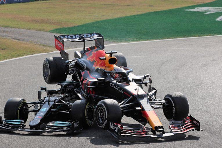 F1   フェルスタッペン、ハミルトンとの接触で3グリッド降格ペナルティ。レッドブルは裁定を受け入れ/F1第14戦
