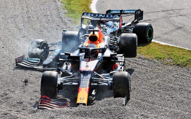 2021年F1第14戦イタリアGP マックス・フェルスタッペン(レッドブル・ホンダ)とルイス・ハミルトン(メルセデス)が接触