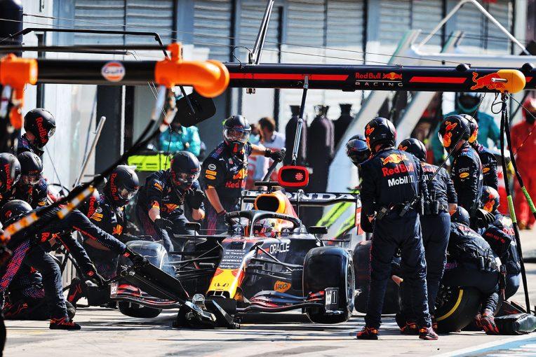 F1   レッドブル・ホンダ密着:逆転を狙う最大のチャンスだったはずのピットストップ。約11秒のロスが大きな痛手に