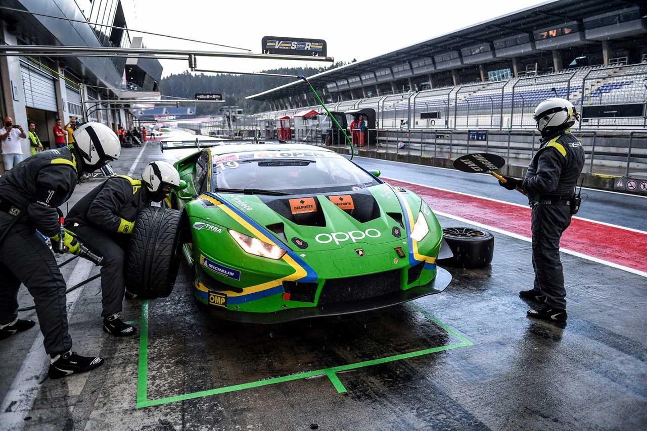 インターナショナルGTオープンに参戦する19号車ランボルギーニ・ウラカン GT3 エボ(根本悠生/バプティスト・ムーラン)