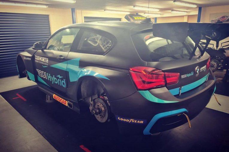 海外レース他   2022年導入のBTCC共通ハイブリッド、カローラに続きFRの『BMW125i』にもインストール完了