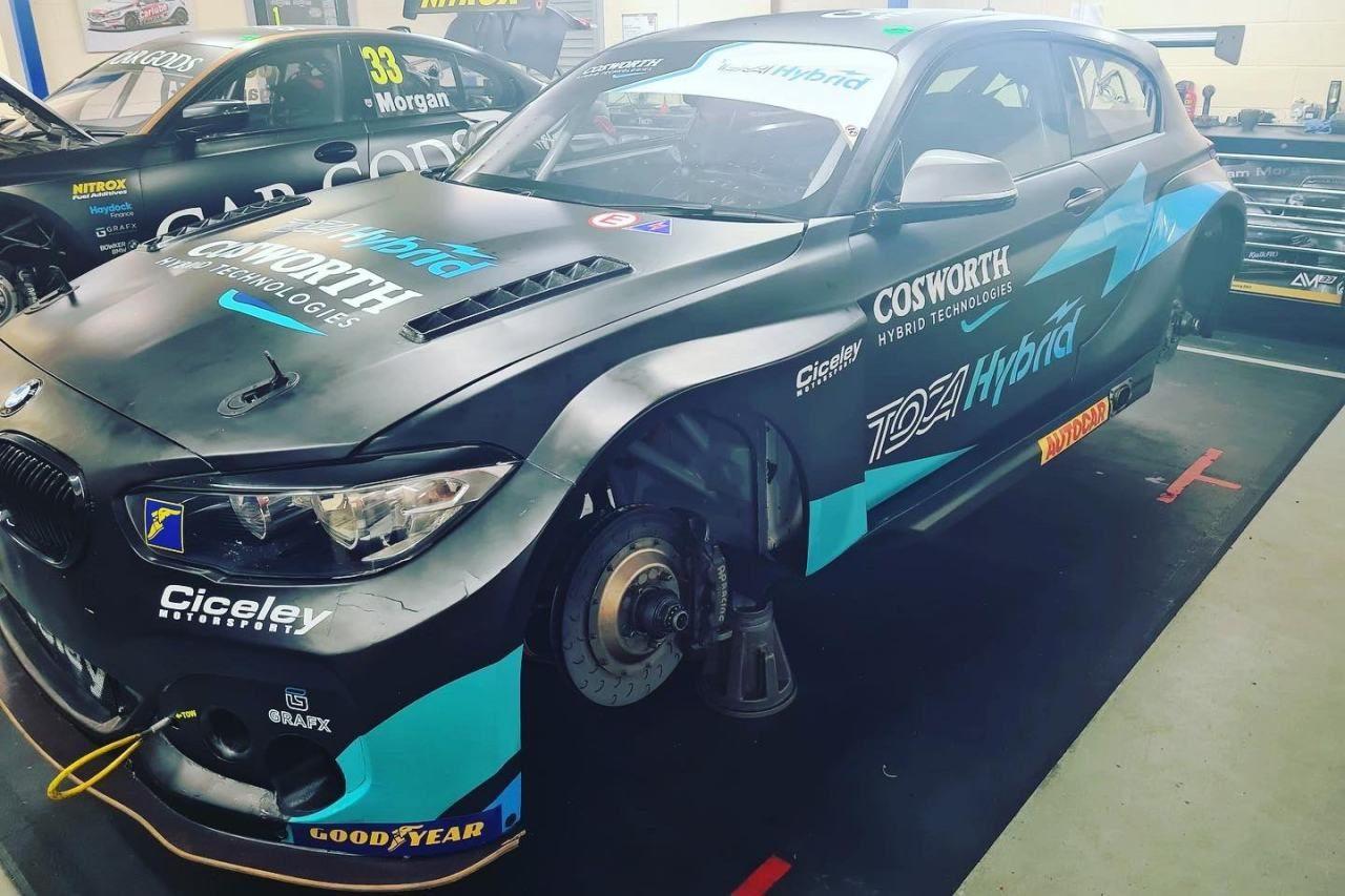 2022年導入のBTCC共通ハイブリッド、トヨタ・カローラに続きFRの『BMW125i』にもインストール完了