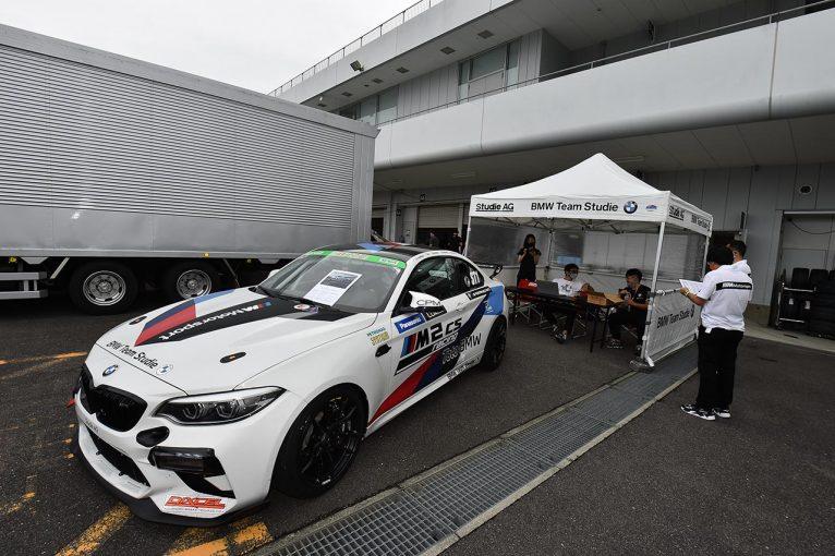国内レース他 | スーパー耐久ST-1でもその性能を証明済み。BMW M2 CSレーシングをパドックでアピール中