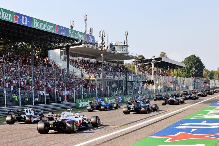 F1 | アロンソ、F1スプリント予選に肯定的も「エキサイティングな展開にするには金曜予選の見直しが必要」