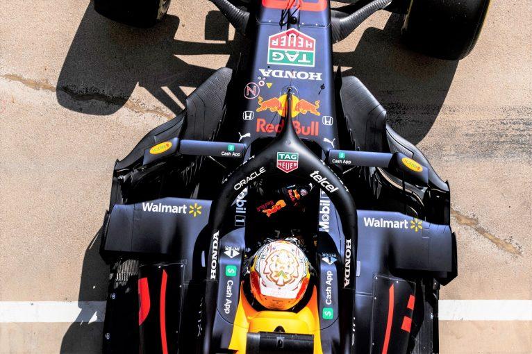 F1   F1技術解説:ニューウェイのこだわり。レッドブルだけが採用する、ユニークなドリンクシステム