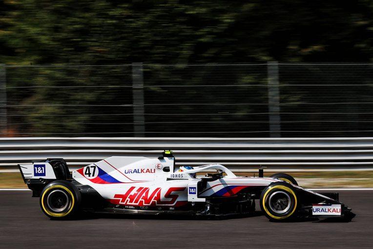 F1   ハースF1代表、チームオーナーとともにマラネロのデザインオフィスを視察。組織編成など現状に満足