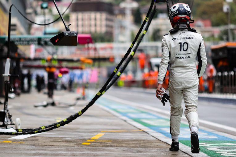 F1   予選Q2敗退のガスリー「大きな戦略ミス」と不満を露に。チームは謝罪:アルファタウリ・ホンダ/F1第15戦