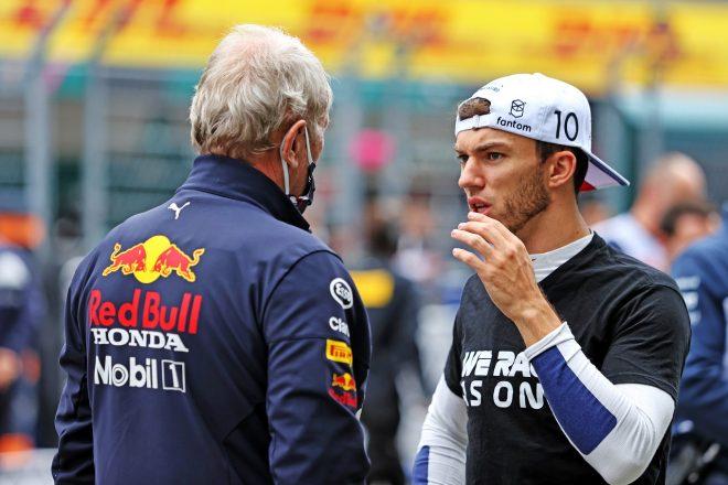 2021年F1第15戦ロシアGP ピエール・ガスリー(アルファタウリ・ホンダ)とヘルムート・マルコ(レッドブル・モータースポーツ・コンサルタント)