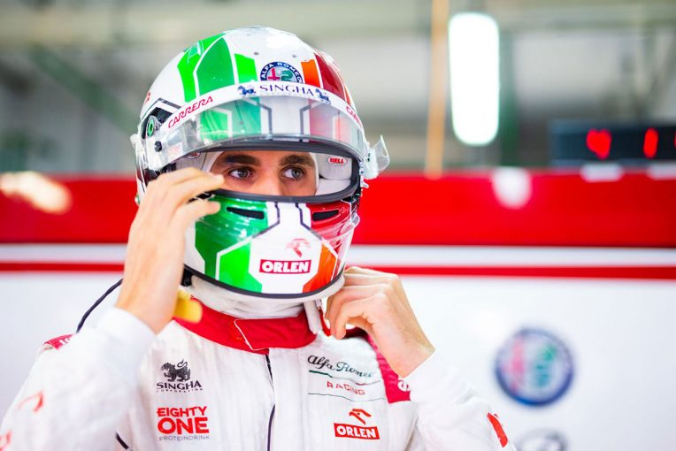 F1   ジョビナッツィ「1周目から無線が使えず、チームとコミュニケーションを取れなかった」:アルファロメオ F1第15戦決勝