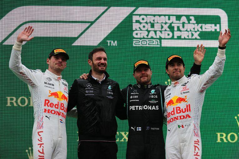 F1   ボッタスが今季初優勝。レッドブル・ホンダはW表彰台、フェルスタッペンが再び選手権首位に【決勝レポート/F1第16戦】