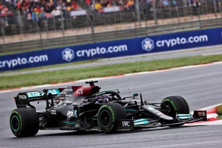 F1   レッドブルF1代表、ハミルトンのピットストップに疑問なし「タイヤにはブリスターがあり、タイムを失っていた」